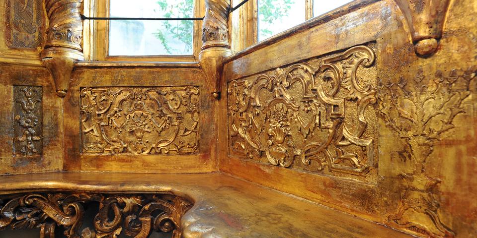 Mantova particolare del fregio del pulpito interno sinagoga © Alberto Jona Falco
