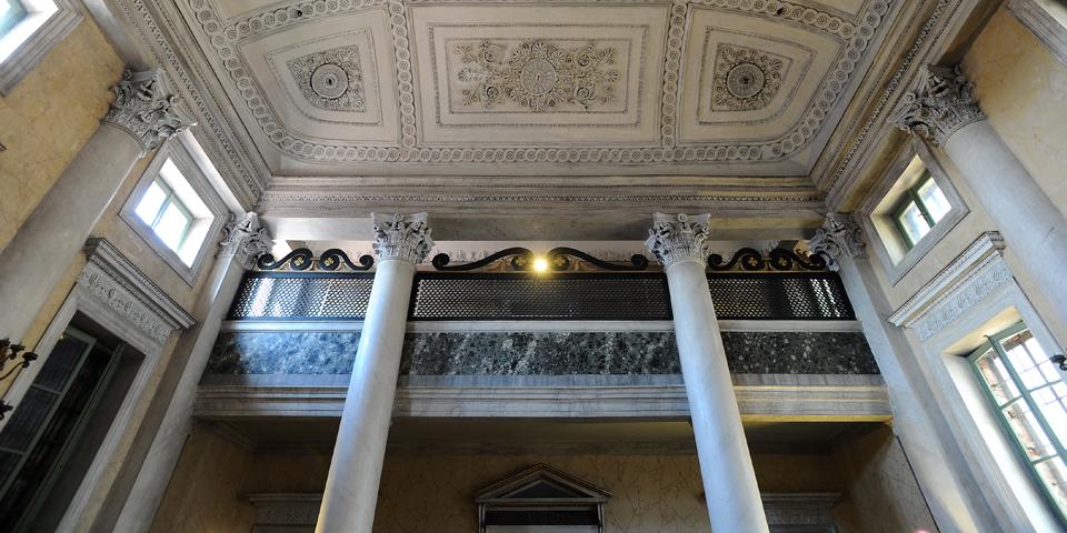 Sabbioneta il soffitto e il matroneo della sinagoga © Alberto Jona Falco