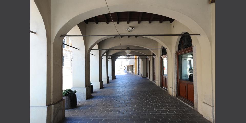 Broni, i portici della via Emilia © Alberto Jona Falco