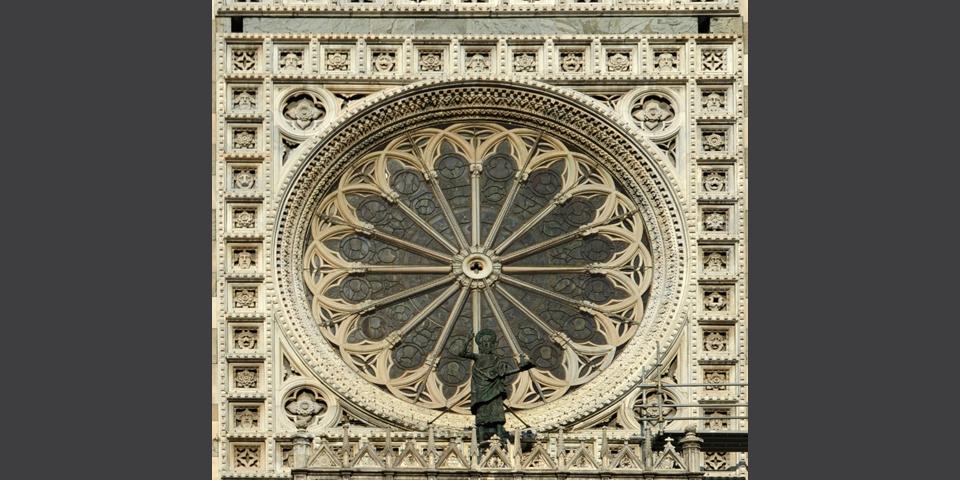 Monza, particolare del rosone del Duomo © Alberto Jona Falco
