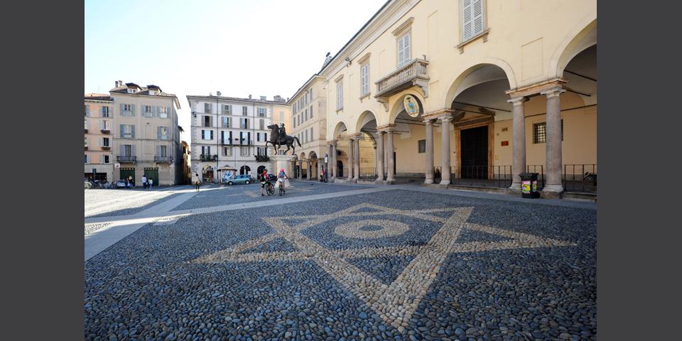 Pavia, piazza Duomo © Alberto Jona Falco