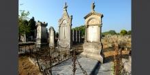Mantova coppia di lapidi al cimitero © Alberto Jona Falco
