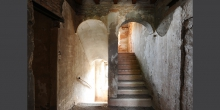 Ostiano, first floor, stairs of the palace where the synagogue was inside the castle © Alberto Jona Falco